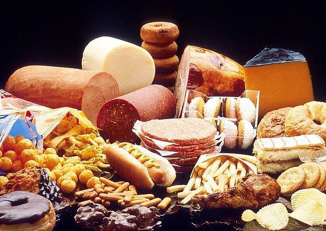 3. Aşırı yağlı yemekler