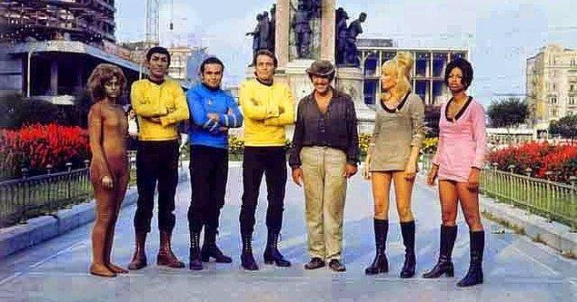 """1. Tuhaf uyarlamalar Yeşilçam döneminde başladı. """"Turist Ömer Uzay Yolunda"""", """"Star Trek""""in absürt bir versiyonuydu."""