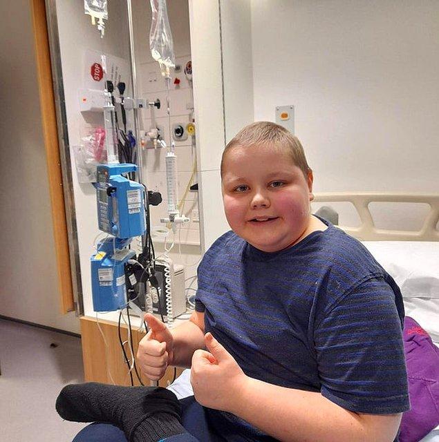 """2. """"Kemoterapi tedavim artık bitti, geriye sadece radyoterapi kaldı. Ondan sonra kanserden kurtuluyorum!"""""""