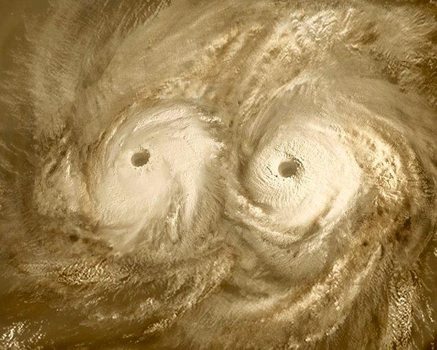 Elimizde Venüs'ün güney kutbunun doğrudan görüldüğü bir fotoğraf bulunmuyor.