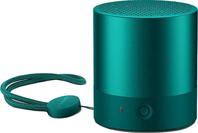 7. Huawei'nin bu küçük hoparlörünü diz-film izlerken de müzik dinlerken de keyifle kullanın.