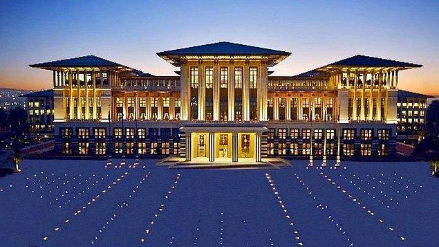 """""""Türkiye'de 2,1 milyon hane elektrik faturası için destek alırken saray elektriğe günlük 60 bin senelik 21 milyon 600 bin lira ödüyor."""""""
