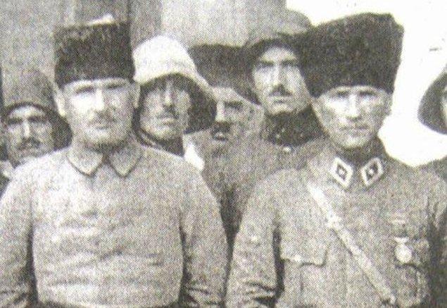Deli Halit Paşa'nın asıl tepkisi yöneticilerin bulaştığı yolsuzluklarmış. Bu nedenle milletvekilleriyle birçok kez büyük tartışmalar yapmış.