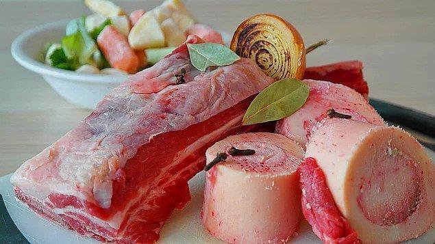 Çorbalarınıza ve bazı yemeklerinize kemik suyu ekleyin.
