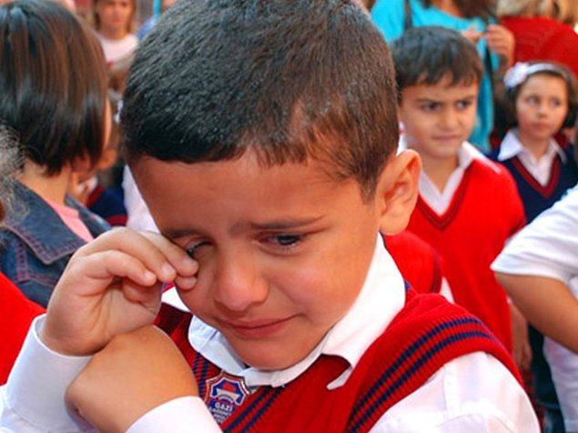 Sebebi ne olursa olsun bir çocuğun gözündeki yaşın karşısında hiçbir şeyin önemi yok. Bizleri yetiştiren, yol gösteren ve ışık olan öğretmenlerimize minnettarız. Değerli hocalarımızın hiçbir çocuğu üzmemesi temennisiyle...