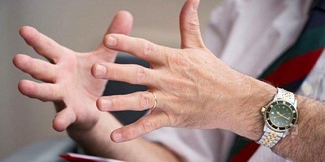 1. İki elin avuç içinin birbirine bakar şekilde olması