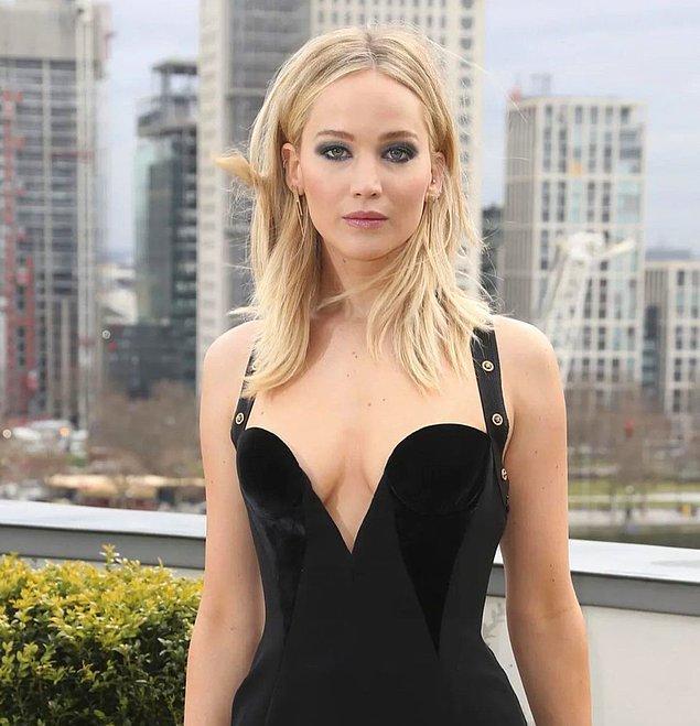 10. Dünyaca ünlü oyuncu Jennifer Lawrence'ın bebek beklediğini öğrendik!