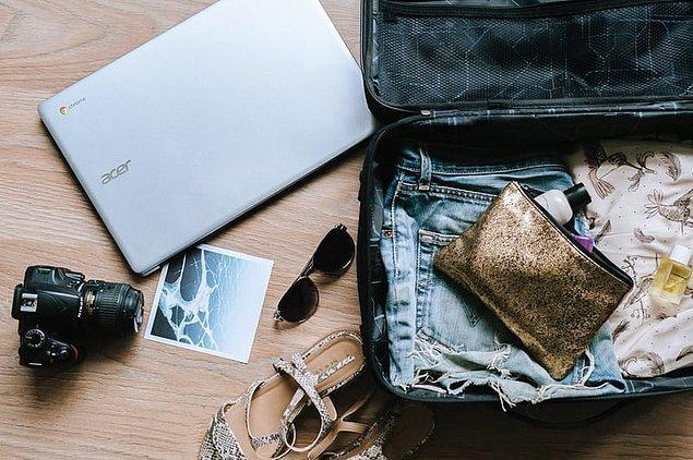 12. Eğer kabin içine alacağınız bir valiziniz varsa ve uçak tamamen doluysa, uçağa ilk binenler arasında olun.