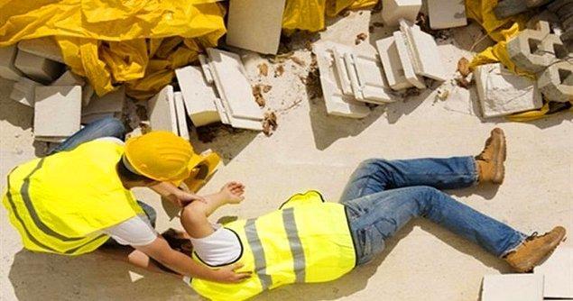 10. Bir iş kazası geçirdiğinizde de iyileşene kadar evdeki işlerinizi halledebilmeniz adına size yardımcı tahsis ediyor.