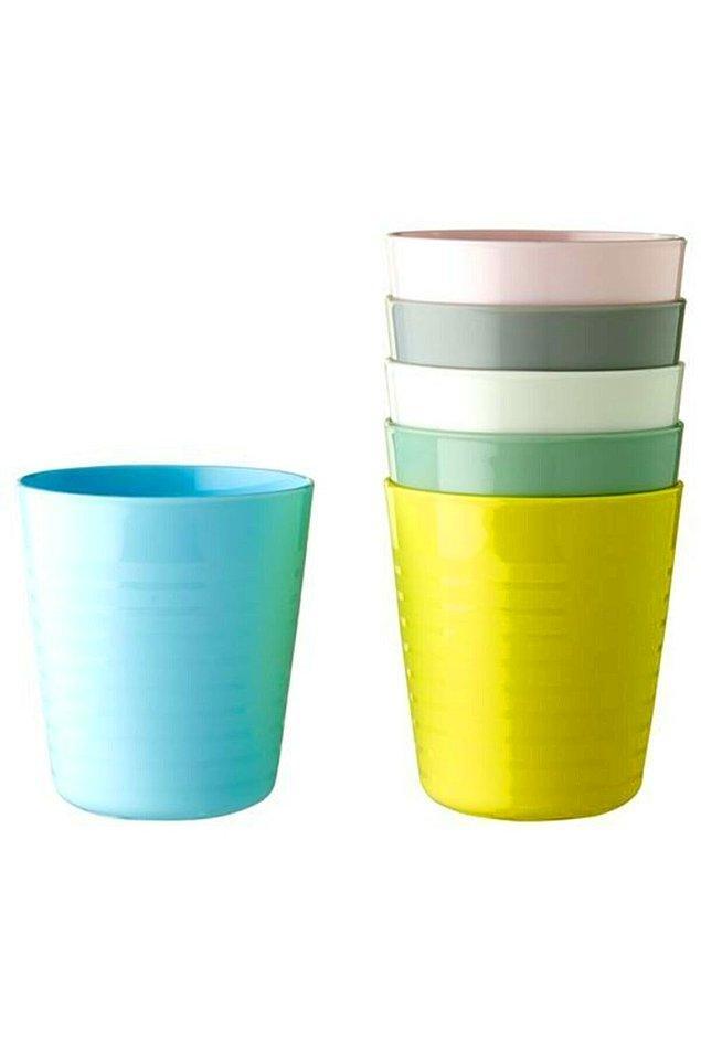 14. Piknik için ya da evde küçük çocuğu olanlar için bu plastik bardaklar harika.