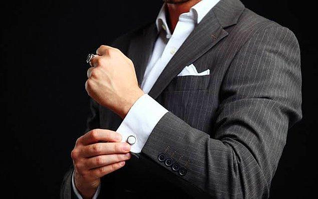 4. Ceketin düğmeleri ile oynamak