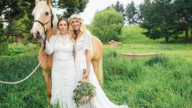 6. 2010 yılından beri eşcinsel evlilikler tamamen yasal.