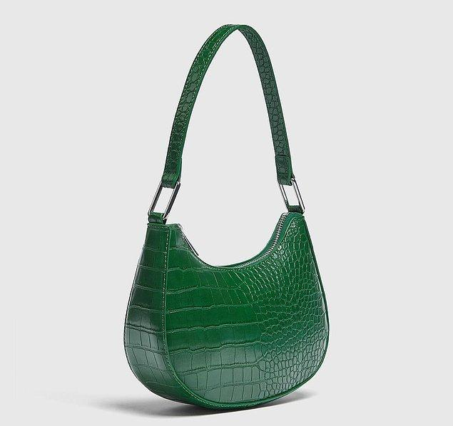 3. Bu sezonun en trend renklerinin yer aldığı çanta modelleri için Pull and Bear markasını incelemenizi öneririz.