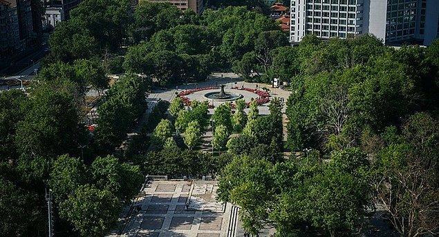 27. Taksim Gezi Parkı, Vakıflar Genel Müdürlüğü tarafından İstanbul Büyükşehir Belediyesi (İBB) mülkiyetinden alınarak Sultan Beyazıt Hanı Veli Hazretleri Vakfı'na geçirildi.