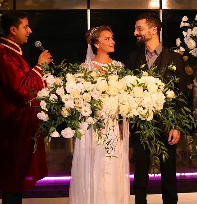 4. Ünlü oyuncu Vildan Atasever ve şarkıcı Mehmet Erdem dünyaevine girdi!