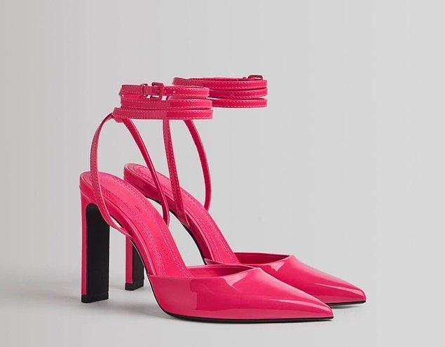 8. En şirin kombinlerinizi tamamlayacak pembe topuklu ayakkabılar için;