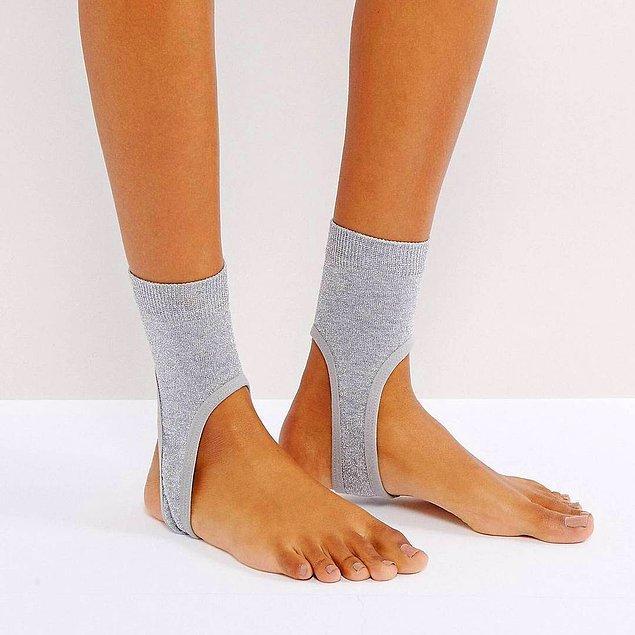 5. Çorap giymek istemiyorum ama ayakkabımdan da gözüksün çorabı.