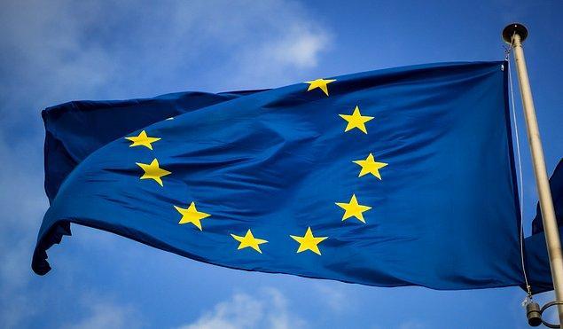 15. Kanada, Avrupa Birliği ülkelerinin toplamından iki kat daha büyüktür.