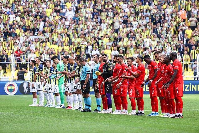 Süper Lig'in 4. haftasında Fenerbahçe, sahasında Sivasspor 'u konuk etti.