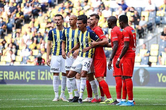 Fenerbahçe'de Marcel Tisserand ve İrfan Can Kahveci, yaşadıkları sakatlıklar sonucunda karşılaşmaya devam edemediler.