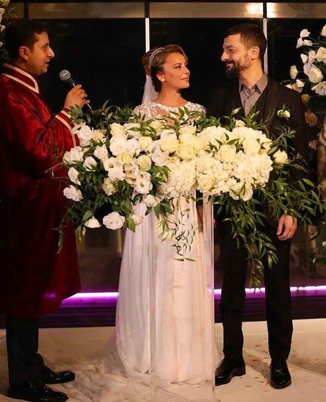 14. Vildan Atasever ve Mehmet Erdem çifti Boğaz'da gerçekleştirdikleri düğünle evlendiler!