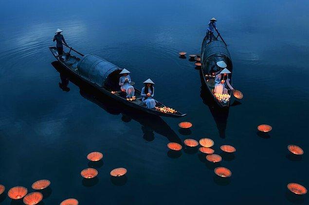 7. Ruhlar İçin Dua - Phu Khanh Bui (İnsanlar Kategorisinde Yüksek Övgüye Değer Ödülü)