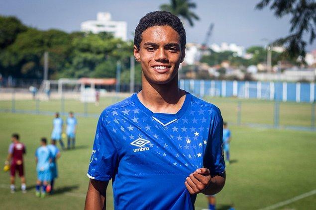 7. Ronaldinho'nun velihattı João Mendes.