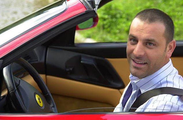 Yıllar ilerledikçe Ozan Güven; Bir İstanbul Masalı, Hırsız Polis gibi sevilen dizilerde rol aldı.