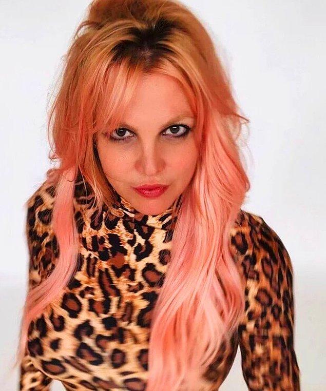 3. Britney Spears'ın yaptığı çıplak paylaşımlar ortalığı yangın yerine çevirdi!