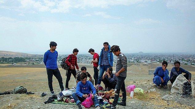 Afgan göçmenler ve ekonomi ilk iki sırada