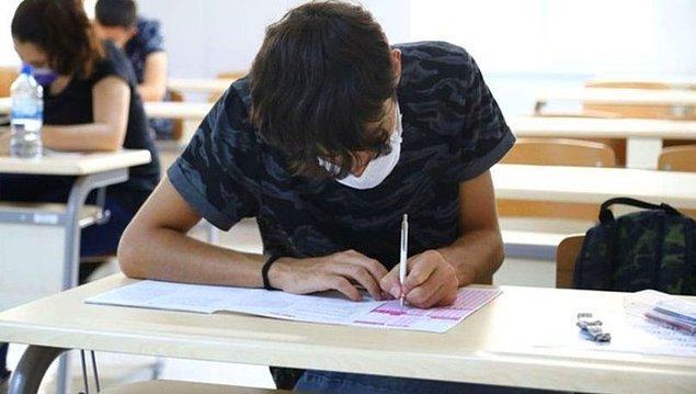 Lise düzeyinde ise ilkokulda olduğu gibi öğrenci sayısı arttı.