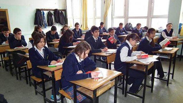 Ortaokuldaki okullaşma oranlarında da dramatik bir düşüş görüldü.
