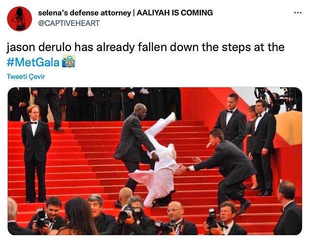 """3. """"Jeson Derulo merdivenlerden yuvarlandı bile."""""""