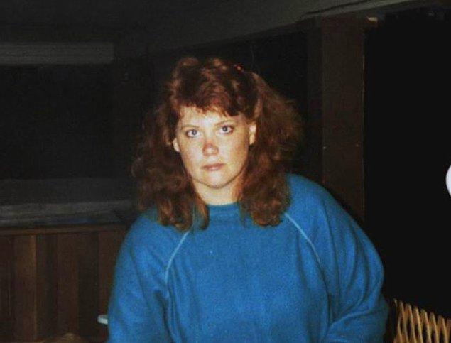 15 Nisan 1964'te doğan Shelly Knotek'in çocukluk ve gençlik yılları travmalarla doluydu.