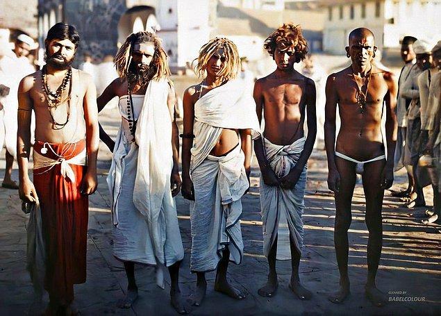 6. Her ne kadar ilk bakışta size bir Hint filminden sahne gibi gelse de aslında bu fotoğraf tamı tamına 108 yıl önce Stéphane Passet tarafından çekilmiş. 1923 yılında çekilen bu fotoğraf günümüz teknolojisiyle renklendirilmiş.