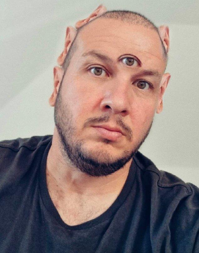 Şahan Gökbakar ise fotoğrafına photoshop yaparak üç göz ve beş kulaklı halini paylaştı.