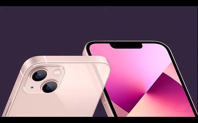 iPhone 13'ün işlemcisi %50 ve grafik işlemcisi de daha hızlı. Ayrıca, iPhone 13'lerin kameralarında sinema modu bulunuyor. Bu özellik yaratıcı videolar ve fotoğraflar çekmeye yardımcı oluyor.
