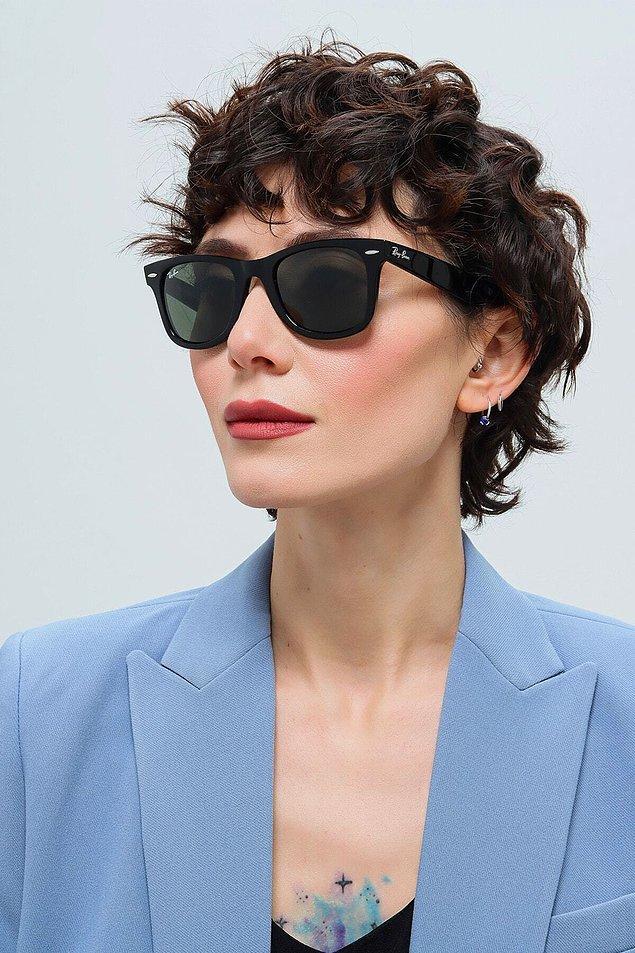 2. Klasik gözlük modelleri arasından en sevilenleri sizin için bir araya getirdik.