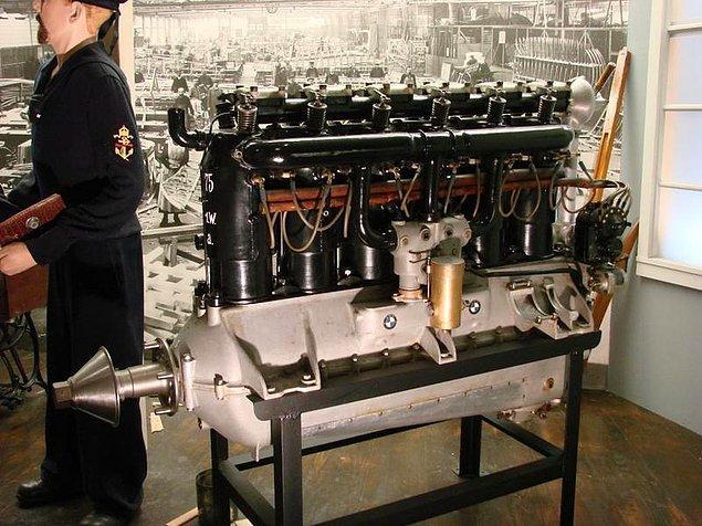 5. BMW - BMW IIIa (1918)