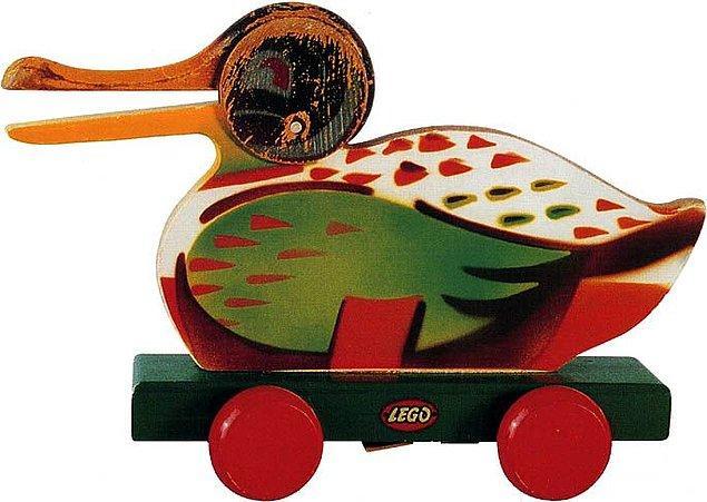 6. Lego - Tahta Oyuncak (1923)