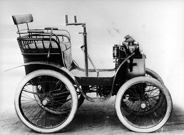 13. Renault - Renault Voiturette 1CV (1898)