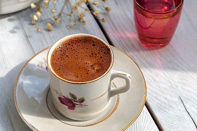 Gelini Hazal kendisinin karşısında asla kahve içemezmiş.