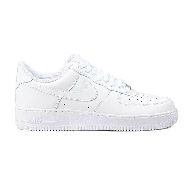 1. Klasikleşen modellerle başlayalım: Nike Air Force 1