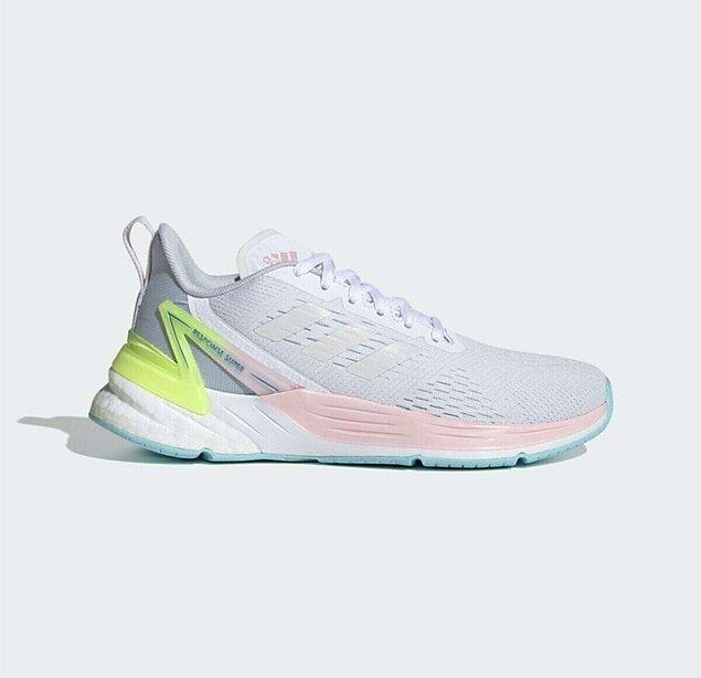 9. Adidas'ın koşu ayakkabılarının rahatlığı tartışılmaz...