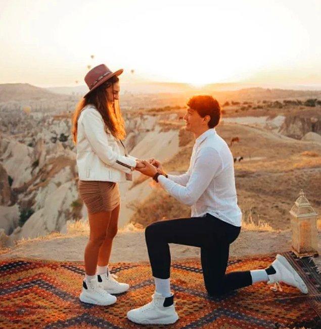 2. Geçtiğimiz gün Cedi Osman'ın sevgilisi Ebru Şahin'e evlilik teklifi ederken aldığı yüzüğün fiyatını öğrendik!