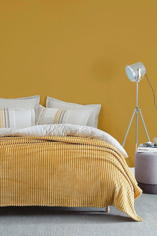 5. Ekstra yumuşaklık ve konfor sağlayan Yataş Holly Wellsoft battaniyeye seni sıcacık tutarken yatak odana tarz katacak.