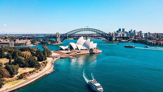 25. Avustralya ve Lüksemburg: 6,4 gün