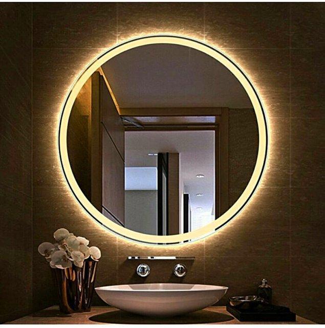 8. Banyonuza çok yakışacak bir led ışıklı banyo aynası.