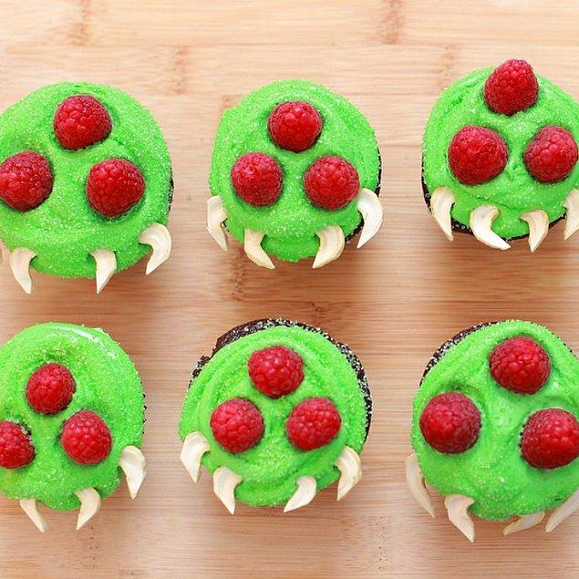 5. Bu Metroid cupcake'leri bol çikolata dolgulu, dolayısıyla onlara hayır demek bir kat daha zorlaşıyor.
