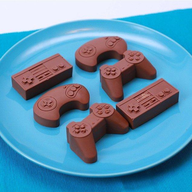 6. Hazır çikolata demişken, çikolata şeklindeki bu kontrolcüleri de es geçmemek gerek.
